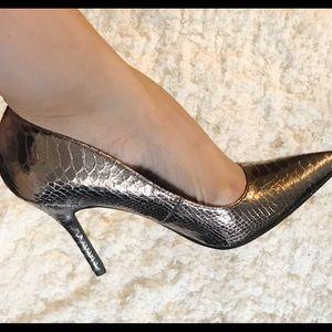 Sam & Libby metallic heel size 8